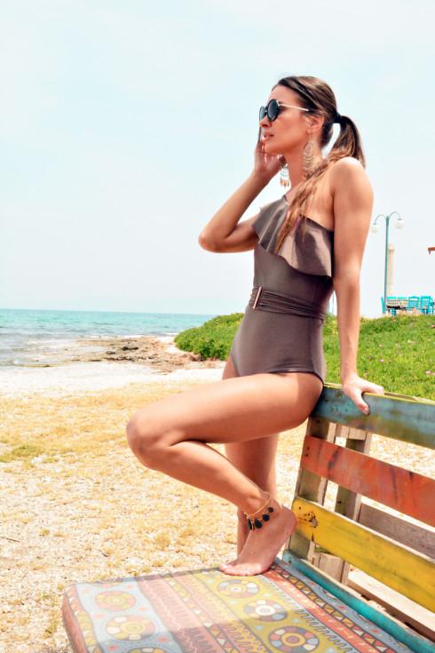 h-era grey one-piece one-shoulder swimsuit