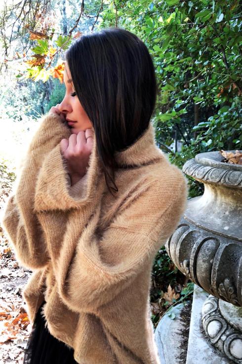 hera fluffy jumper